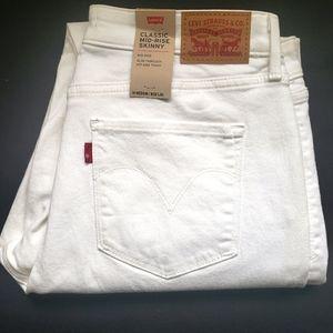 Levi's classic midrise skinny jeans